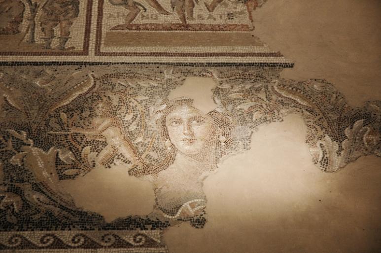 """Sepphoris (Zippori), de grote stad die in de tijd van Jezus naast Nazareth werd gebouwd, had veel Griekse invloeden, waaronder het beroemde mozaïek """"de Mona Lisa van Galilea"""". @ Alfred Muller"""