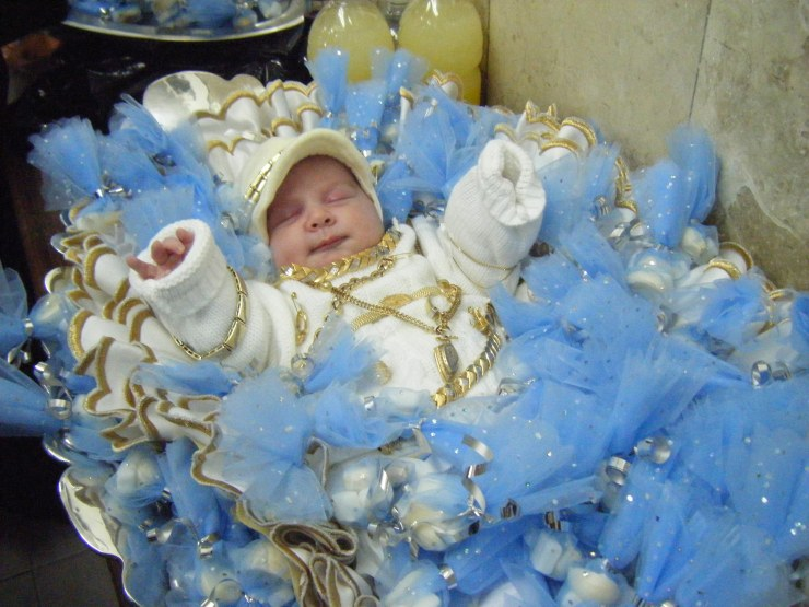 5 Baby bij de ceremonie van het vrijkopen