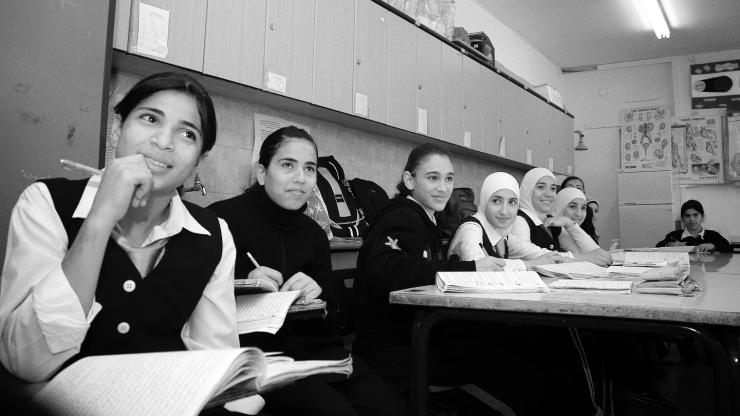 ALMU20071112_0443 Palestijnse schoolmeisjes in Oost-Jeruzalem