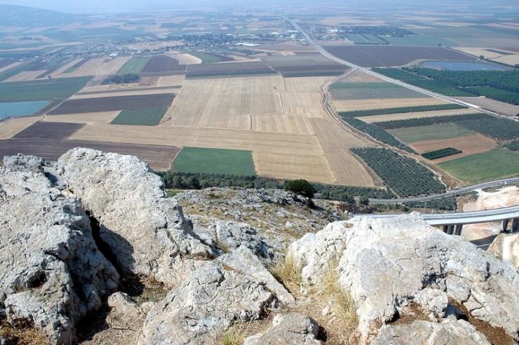 Op de Berg van de Steilte aan de zuidzijde van Nazareth met uitzicht op de Jizreël Vallei. Alle foto's: © Alfred Muller