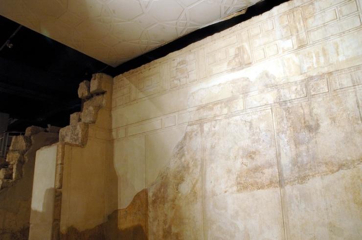 De wanden in de ontvangsthal van de mooiste en grootste hal waren prachtig versierd.
