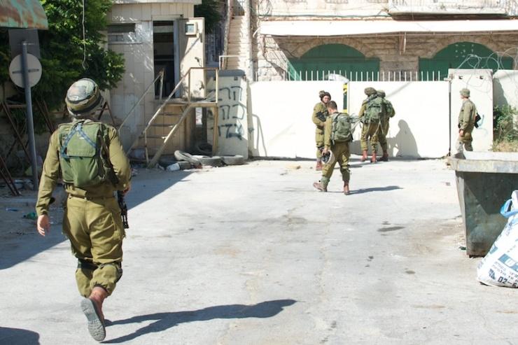 Soldaten in Hebron. Foto: © Alfred Muller