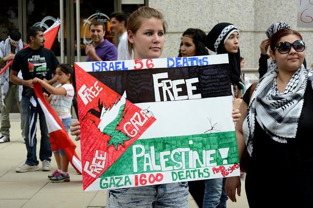 Amerikanen op de been in Washington om steun te betuigen aan de burgers van Gaza. Foto:  Stephen Melkisethian, CC Flickr.