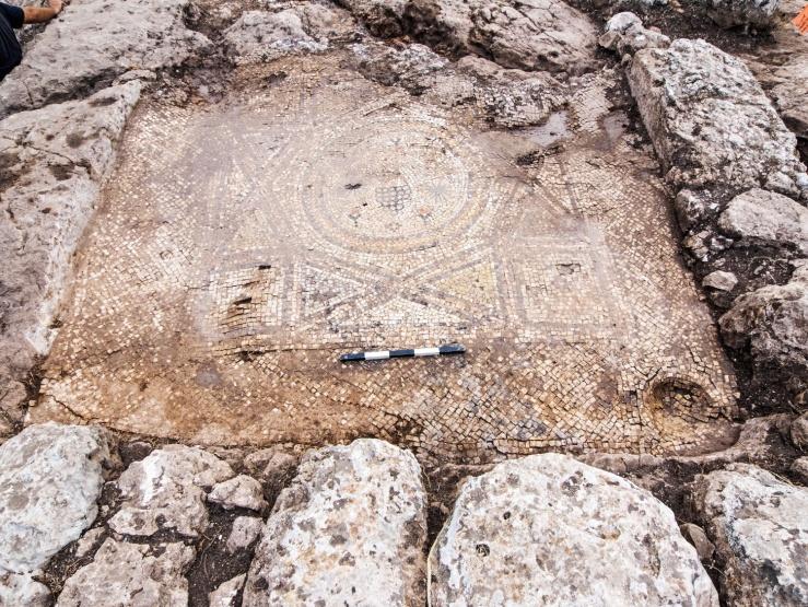 Het mozaïek. Foto: Assaf Peretz, Israëlische Dienst voor Oudheden