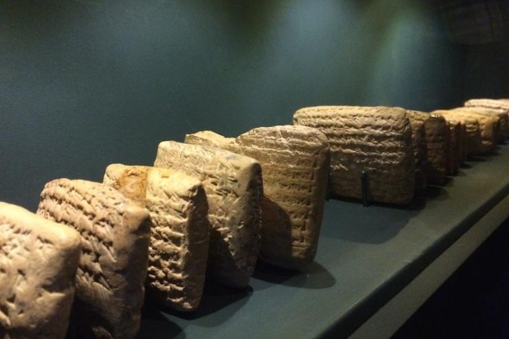 Kleitabletten uit het Al-Yahudu archief bevestigen de Joodse ballingschap. Foto: © Alfred Muller