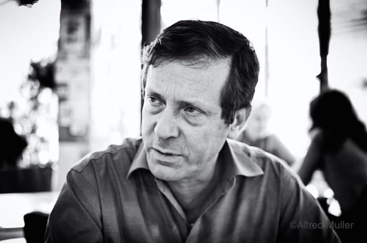 Isaac Herzog ...kanshebber... Foto: © Alfred Muller