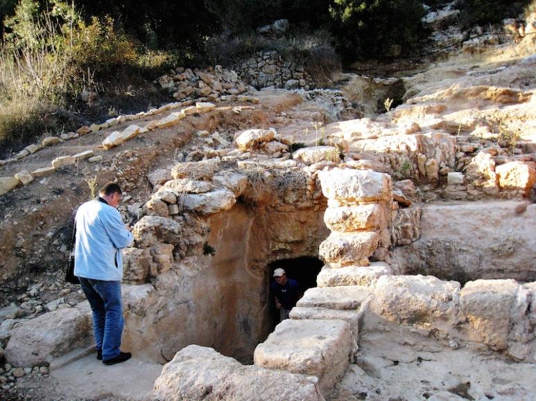 IMG_9766 Ingang grot Johannes de Doper bij kibboets Tzuba