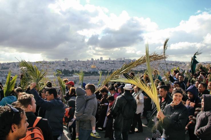 Palmesondag 20.3.2016 Proses jonen går, Tempelplassen